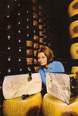 sophia loren's 1971 cookbook, in cocina con amore ? eat me daily - In Cucina Con Amore