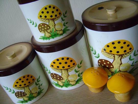 mushroom-canister-set