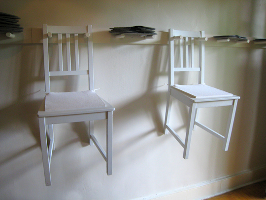 slow-food-cafe-chairs