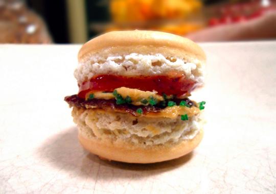 hamburger-macaron-8